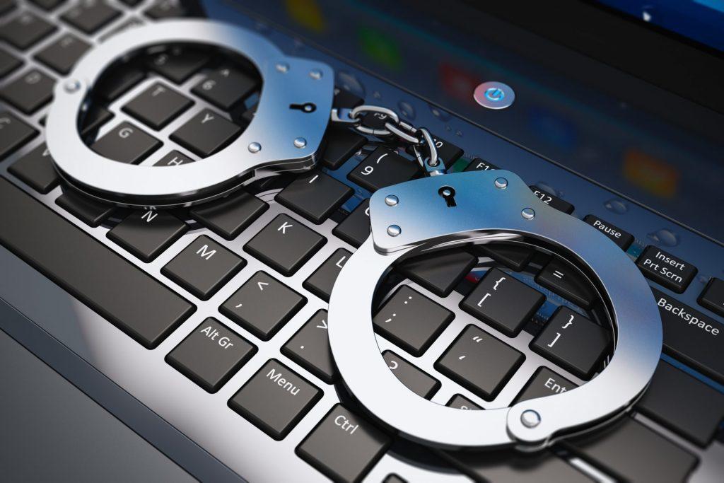 Avvocatura e informatica forense la tutela per i cittadini vittime - Armando De Lucia - Avvocato Informatico